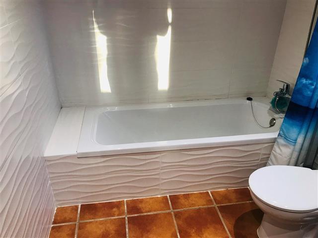 lawson ensuite bath (Small)