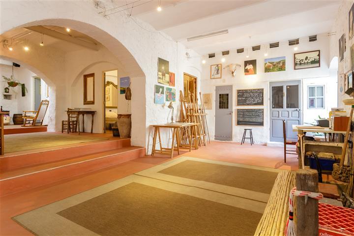 Studio (1) (Small)