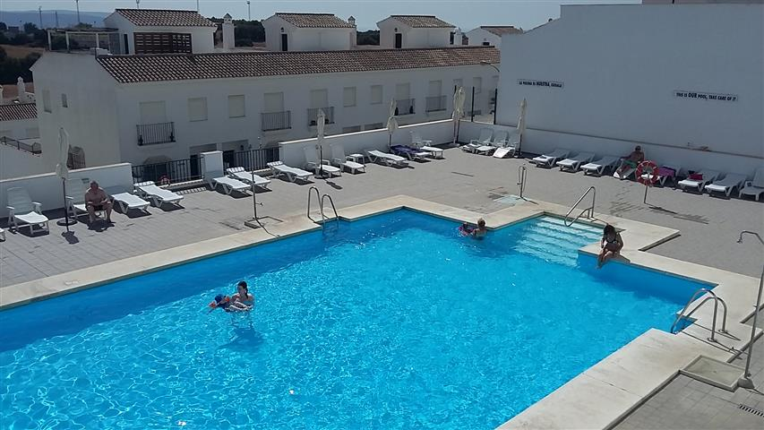 la noria pool (1) (Small)