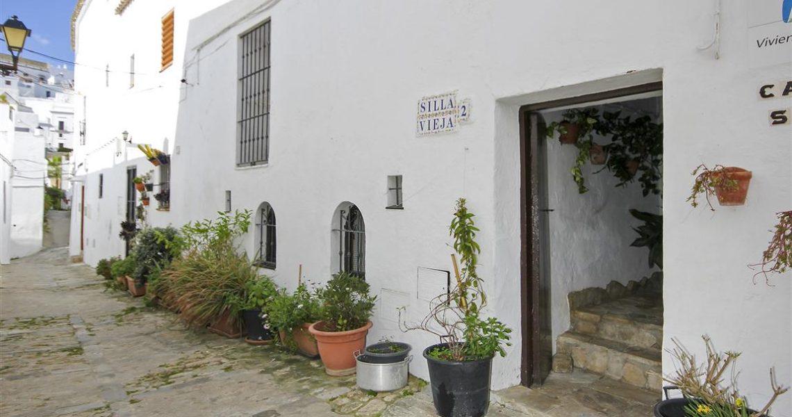 002 Calle Silla Vieja (Medium)
